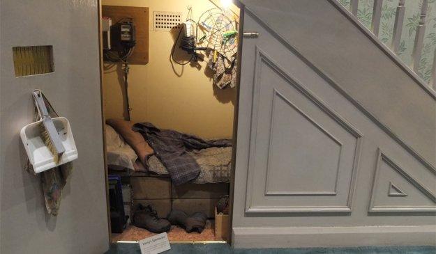 harrys-zimmer-unter-der-treppe