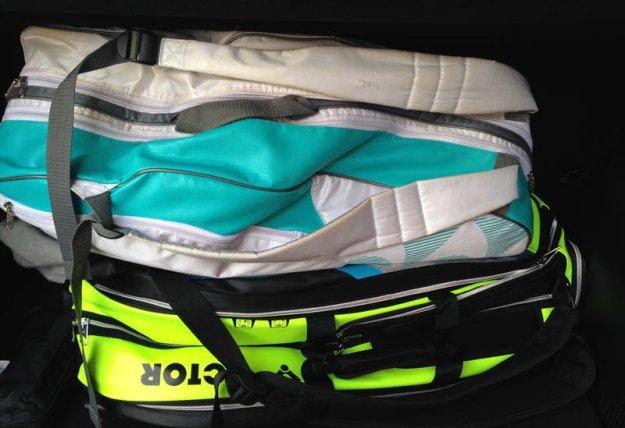 badminton-taschen-im-kofferraum.jpg