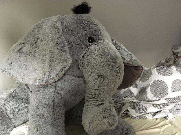 riesenkuschelelefant.jpg